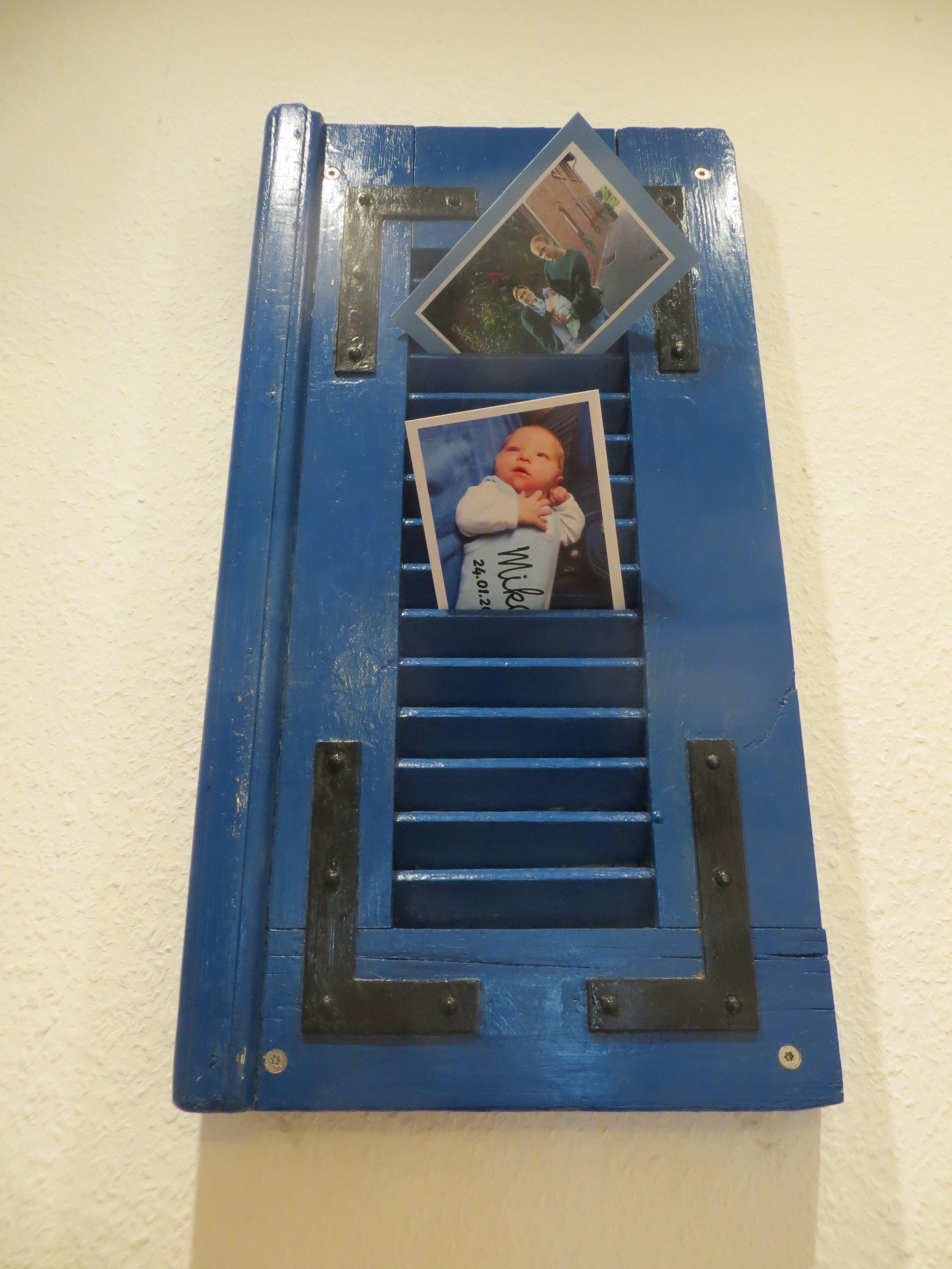 Der Kleine Fensterladen Hängt Im Klo Und Dient Als Postkartenhalter Und Der  Größere Hängt Im Wohnzimmer Als Zeitschriften Halter Und Ich Muss Sagen Sie  ...